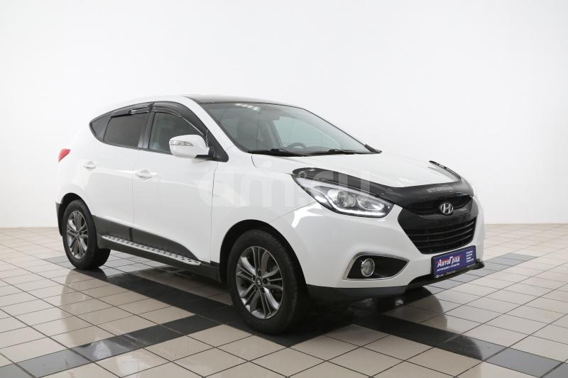 Hyundai ix35 с пробегом, белый , отличное состояние, 2014 года выпуска, цена 950 000 руб. в автосалоне АвтоГрад Нормандия (Иваново, ул. Полка Нормандия-Неман, д. 7, стр. 2)
