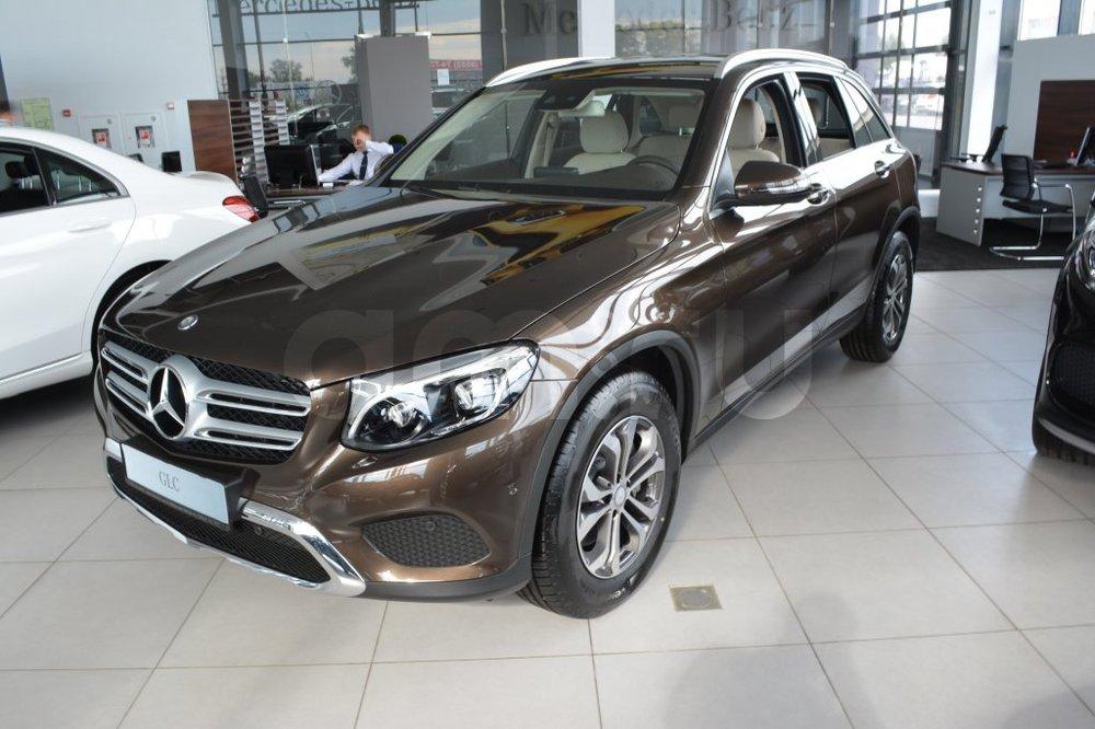 Новый авто Mercedes-Benz GLC-Класс, коричневый металлик, 2016 года выпуска, цена 3 050 000 руб. в автосалоне  ()