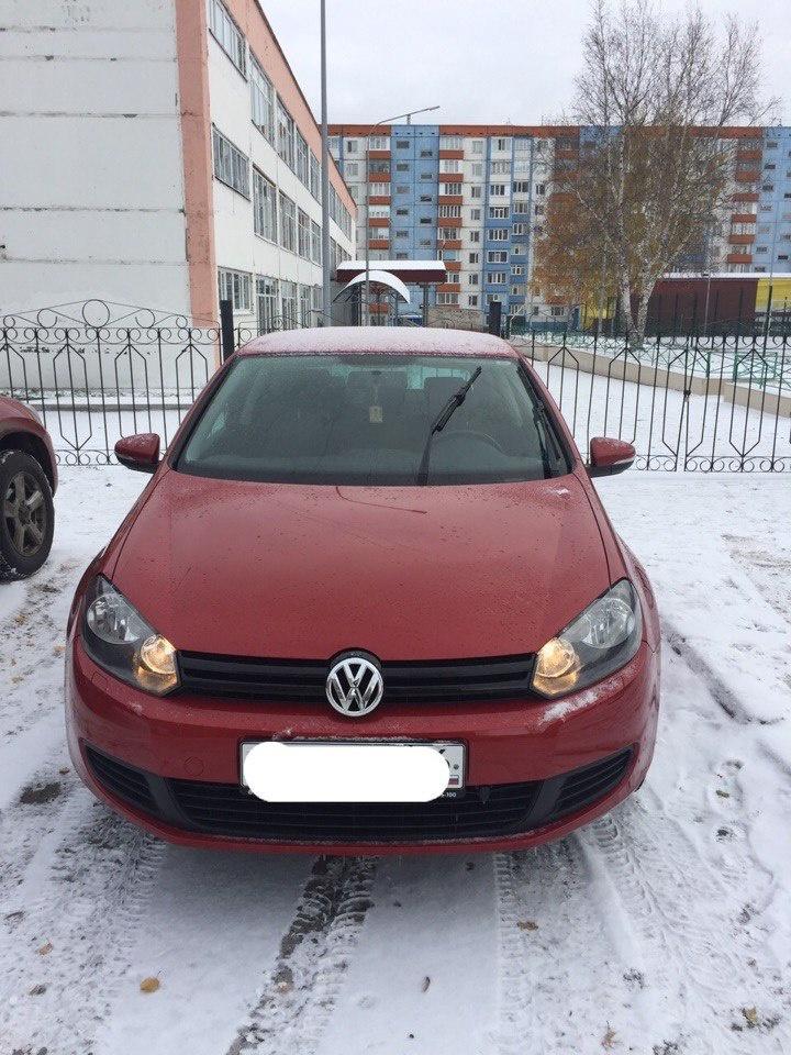 Подержанный Volkswagen Golf, отличное состояние, красный , 2009 года выпуска, цена 520 000 руб. в ао. Ханты-Мансийском Автономном округе - Югре