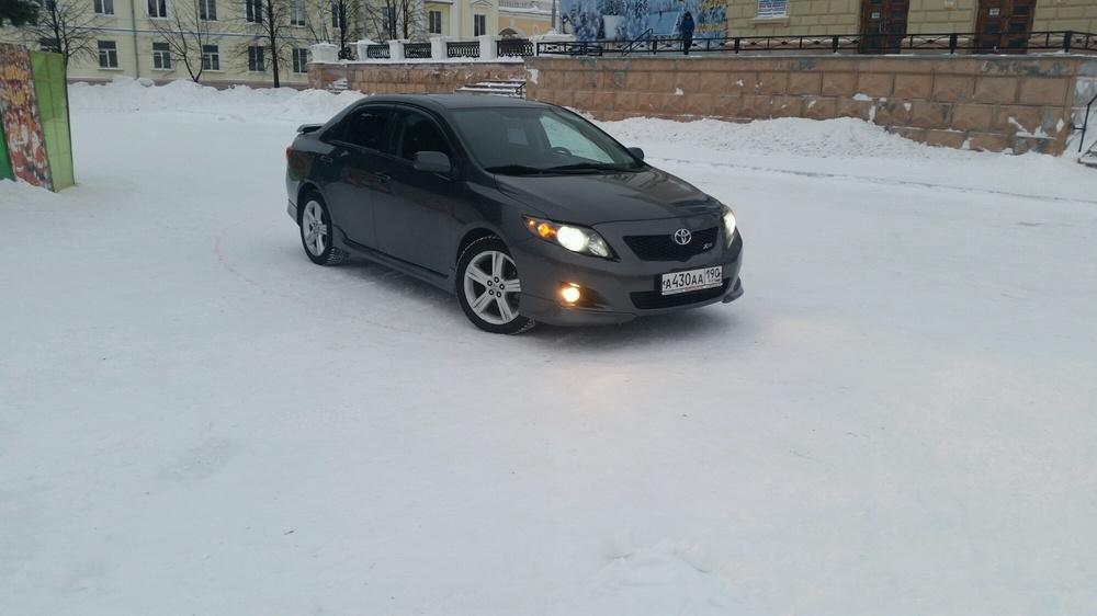 Подержанный Toyota Corolla, отличное состояние, серый , 2010 года выпуска, цена 750 000 руб. в Екатеринбурге