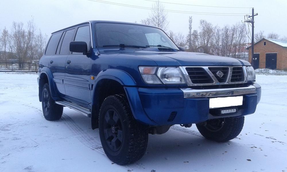 Подержанный Nissan Patrol, отличное состояние, синий металлик, 2001 года выпуска, цена 730 000 руб. в ао. Ханты-Мансийском Автономном округе - Югре