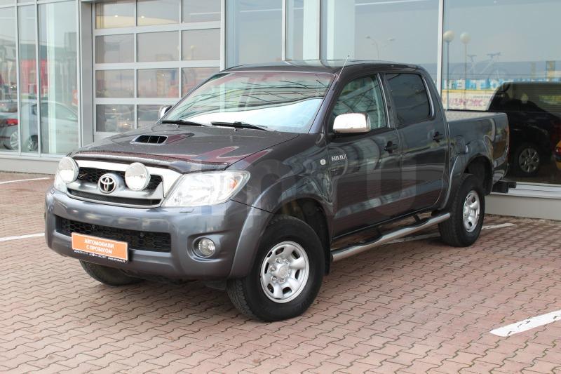 Toyota Hilux с пробегом, серый , отличное состояние, 2011 года выпуска, цена 1 129 000 руб. в автосалоне Автобан-Запад (Екатеринбург, ул. Металлургов, д. 67)