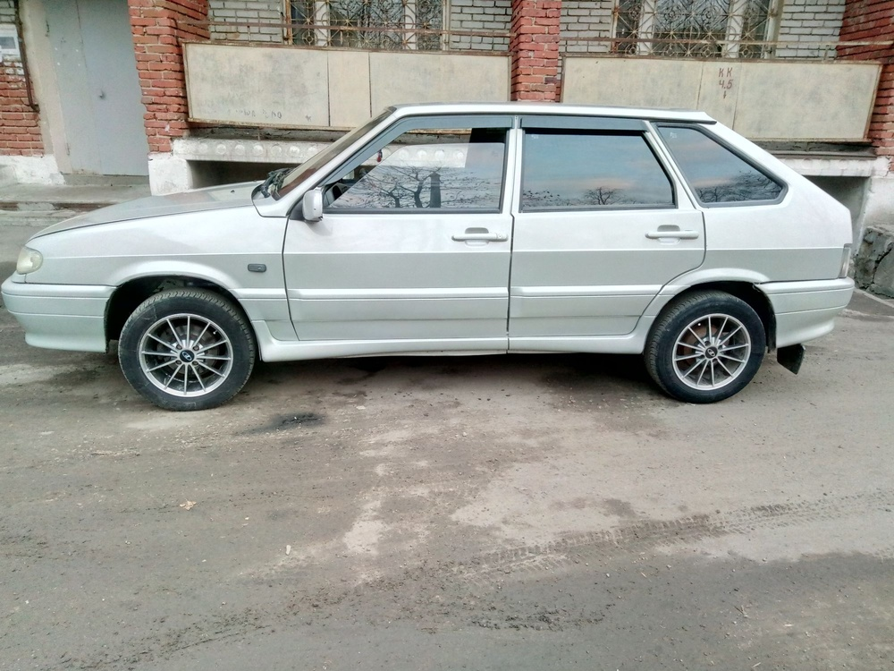 Подержанный ВАЗ (Lada) 2114, хорошее состояние, серебряный , 2006 года выпуска, цена 120 000 руб. в Пензенской области