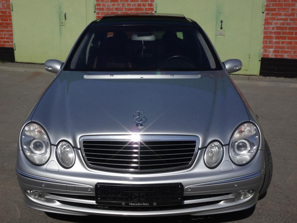 Подержанный Mercedes-Benz E-Класс, отличное состояние, серебряный металлик, 2004 года выпуска, цена 1 099 000 руб. в ао. Ханты-Мансийском Автономном округе - Югре