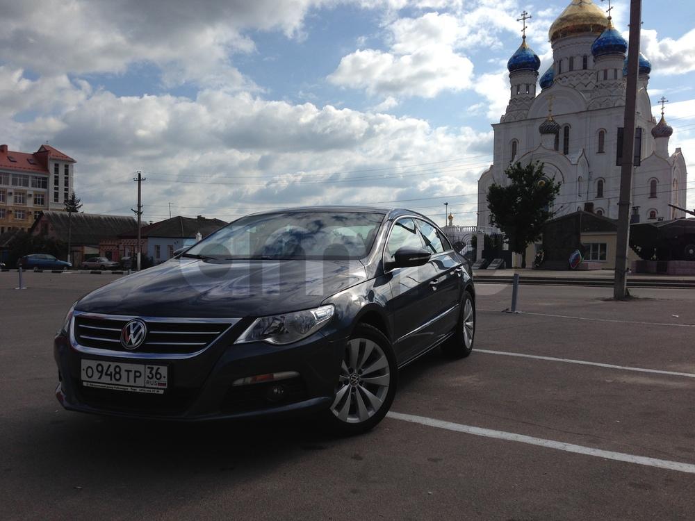 Подержанный Volkswagen Passat CC, отличное состояние, серый перламутр, 2011 года выпуска, цена 900 000 руб. в Воронежской области