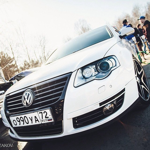 Подержанный Volkswagen Passat, отличное состояние, белый , 2008 года выпуска, цена 520 000 руб. в Тюмени