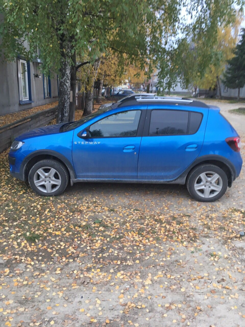 Подержанный Renault Sandero, отличное состояние, синий металлик, 2016 года выпуска, цена 600 000 руб. в ао. Ханты-Мансийском Автономном округе - Югре