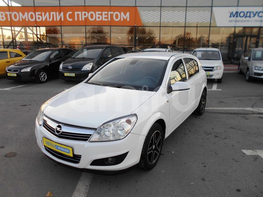 Opel Astra с пробегом, белый , отличное состояние, 2011 года выпуска, цена 415 000 руб. в автосалоне МОДУС ПЛЮС Ростов-на-Дону (Ростов-на-Дону, ул.Вавилова, д. 74 А/1)