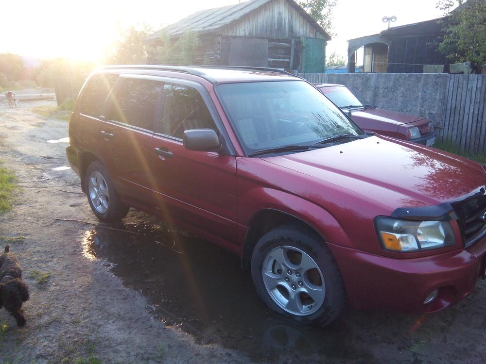Подержанный Subaru Forester, хорошее состояние, красный , 2002 года выпуска, цена 360 000 руб. в ао. Ханты-Мансийском Автономном округе - Югре