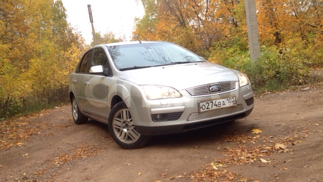 Подержанный Ford Focus, хорошее состояние, серебряный металлик, 2006 года выпуска, цена 240 000 руб. в ао. Ханты-Мансийском Автономном округе - Югре