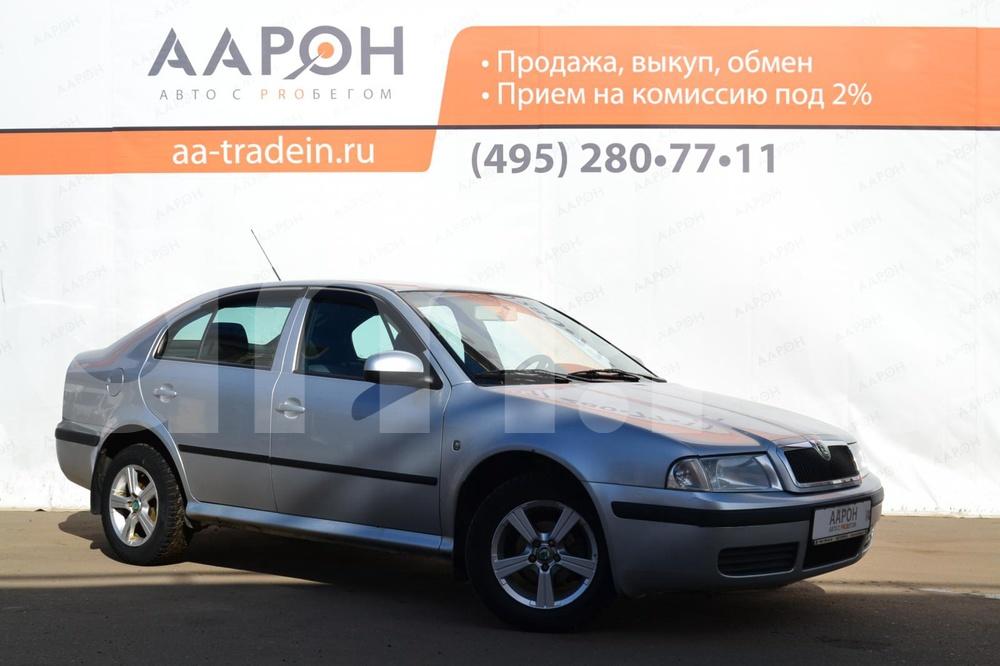 Skoda Octavia с пробегом, серебряный , отличное состояние, 2010 года выпуска, цена 320 000 руб. в автосалоне ААРОН на Каширском (Москва, ш. Каширское, д. 41)