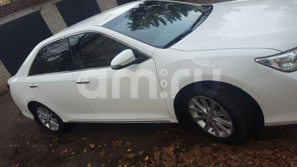 Подержанный Toyota Camry, отличное состояние, белый , 2013 года выпуска, цена 1 160 000 руб. в республике Татарстане