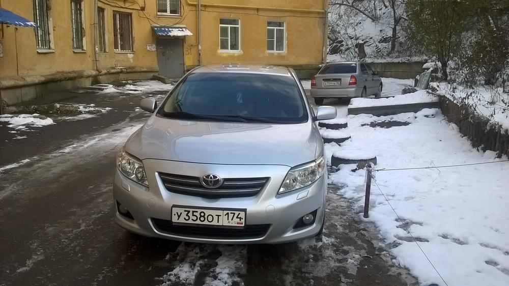Подержанный Toyota Corolla, отличное состояние, серебряный , 2008 года выпуска, цена 400 000 руб. в Челябинской области