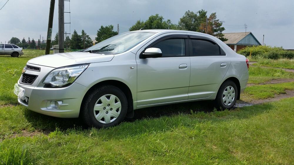 Подержанный Chevrolet Cobalt, отличное состояние, серебряный , 2013 года выпуска, цена 370 000 руб. в Омске