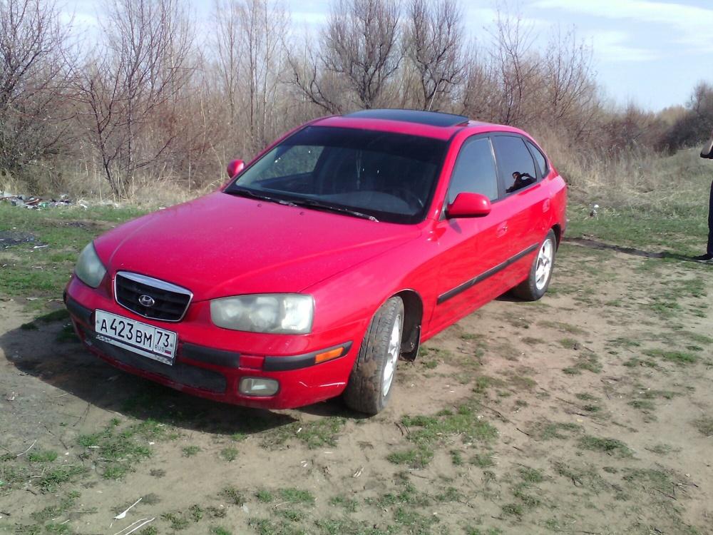 Подержанный Hyundai Elantra, хорошее состояние, красный , 2002 года выпуска, цена 170 000 руб. в Ульяновске