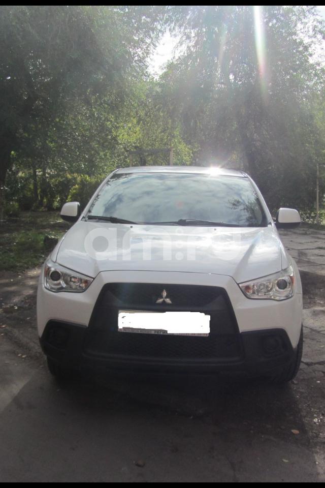 Подержанный Mitsubishi ASX, отличное состояние, белый , 2011 года выпуска, цена 610 000 руб. в Челябинской области