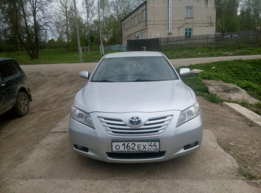 Подержанный Toyota Camry, хорошее состояние, серебряный , 2006 года выпуска, цена 550 000 руб. в Костромской области