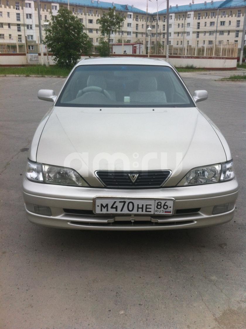 Подержанный Toyota Vista, отличное состояние, серебряный , 1997 года выпуска, цена 230 000 руб. в ао. Ханты-Мансийском Автономном округе - Югре