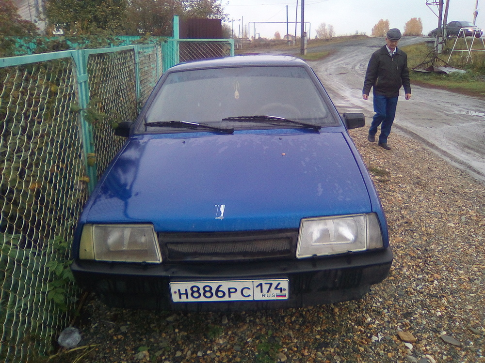 Подержанный ВАЗ (Lada) 2109, среднее состояние, синий , 2000 года выпуска, цена 50 000 руб. в Челябинской области