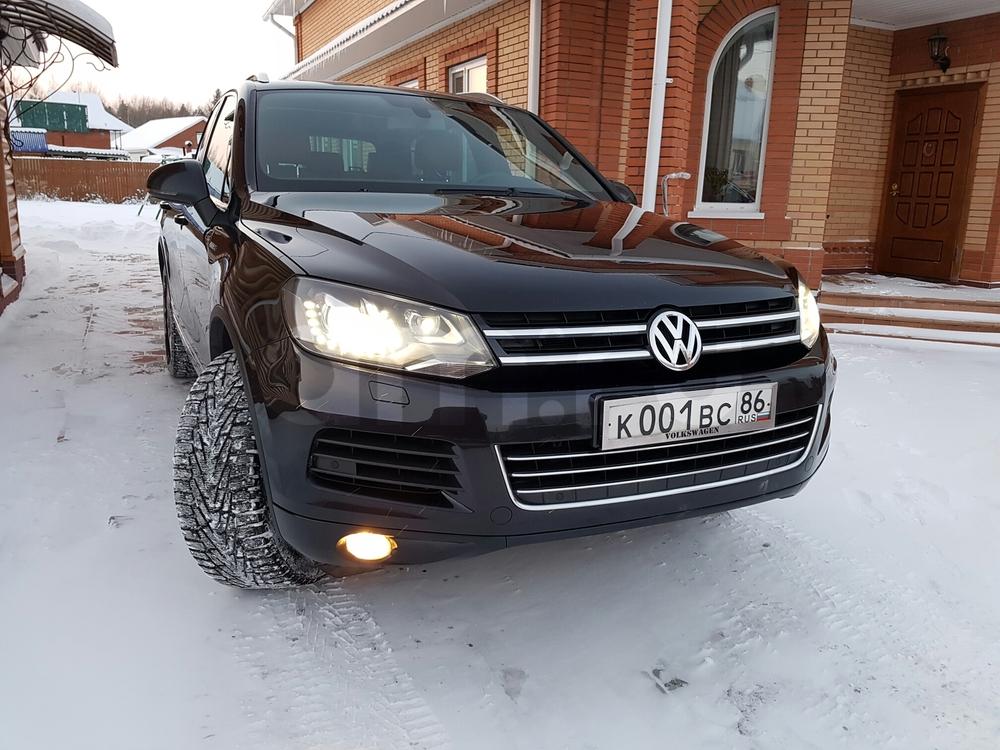 Подержанный Volkswagen Touareg, отличное состояние, черный , 2014 года выпуска, цена 2 300 000 руб. в ао. Ханты-Мансийском Автономном округе - Югре