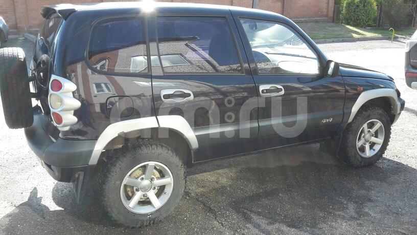 Подержанный Chevrolet Niva, отличное состояние, фиолетовый металлик, 2005 года выпуска, цена 195 000 руб. в Ульяновске