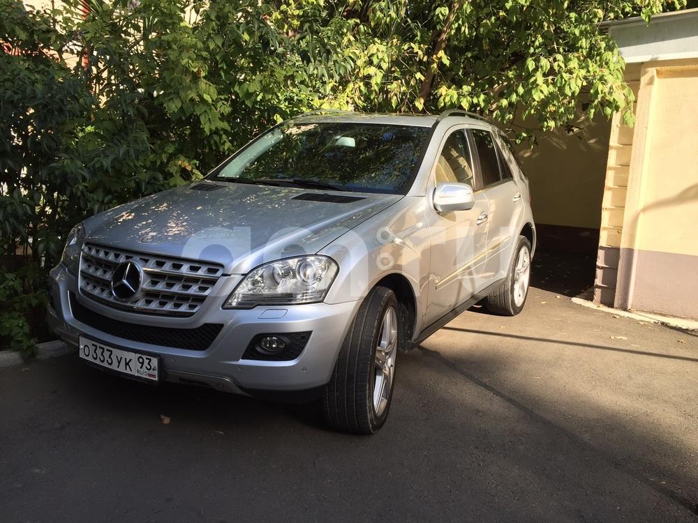 Подержанный Mercedes-Benz M-Класс, отличное состояние, серебряный металлик, 2009 года выпуска, цена 1 700 000 руб. в Твери