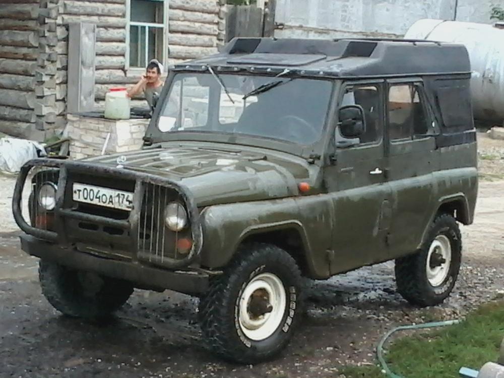 Подержанный УАЗ 3151, хорошее состояние, зеленый матовый, 1993 года выпуска, цена 125 000 руб. в Челябинской области