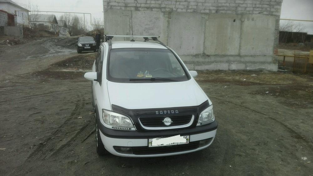 Подержанный Opel Zafira, хорошее состояние, белый акрил, 2000 года выпуска, цена 158 000 руб. в Челябинской области