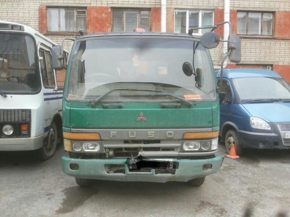 Подержанный Mitsubishi Fuso, среднее состояние, зеленый , 1993 года выпуска, цена 1 000 000 руб. в Екатеринбурге