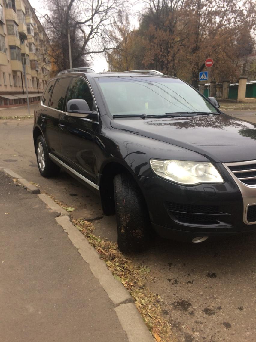 Подержанный Volkswagen Touareg, отличное состояние, черный , 2007 года выпуска, цена 700 000 руб. в республике Татарстане