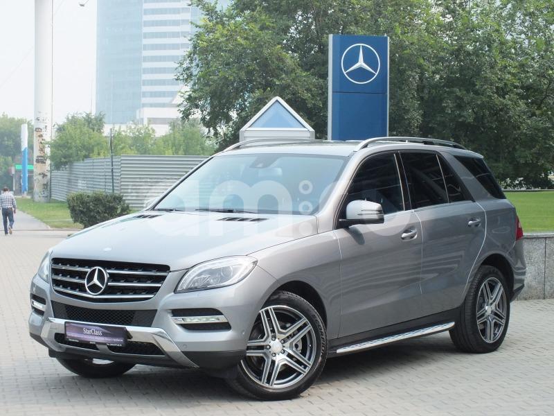 Mercedes-Benz M-Класс с пробегом, серый , отличное состояние, 2014 года выпуска, цена 2 650 000 руб. в автосалоне Штерн (Екатеринбург, ул. Челюскинцев, д. 10)