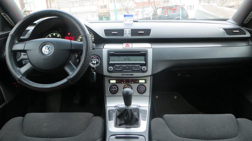 Подержанный Volkswagen Passat, хорошее состояние, мокрый асфальт , 2007 года выпуска, цена 390 000 руб. в Ульяновской области