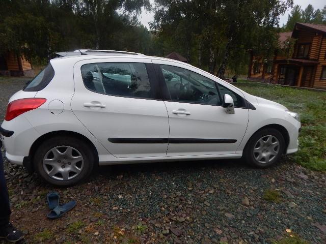 Подержанный Peugeot 308, отличное состояние, белый , 2011 года выпуска, цена 455 000 руб. в Челябинской области