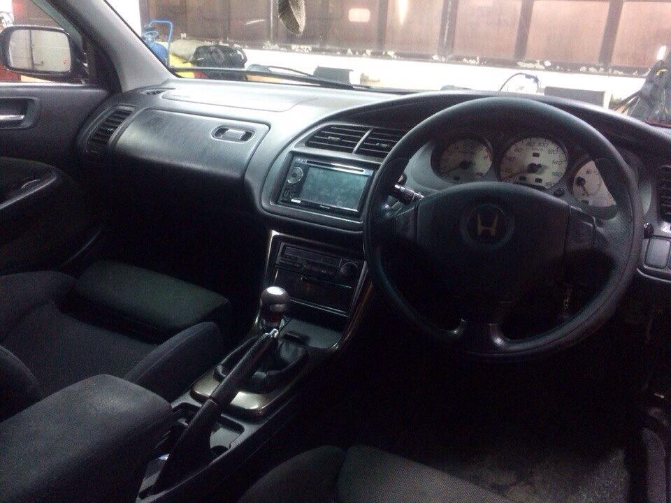 Подержанный Honda Accord, хорошее состояние, красный , 2000 года выпуска, цена 335 000 руб. в Омской области
