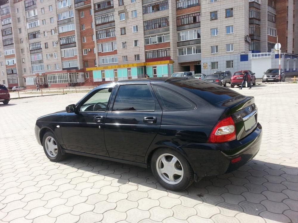 Подержанный ВАЗ (Lada) Priora, хорошее состояние, черный , 2010 года выпуска, цена 220 000 руб. в Томской области