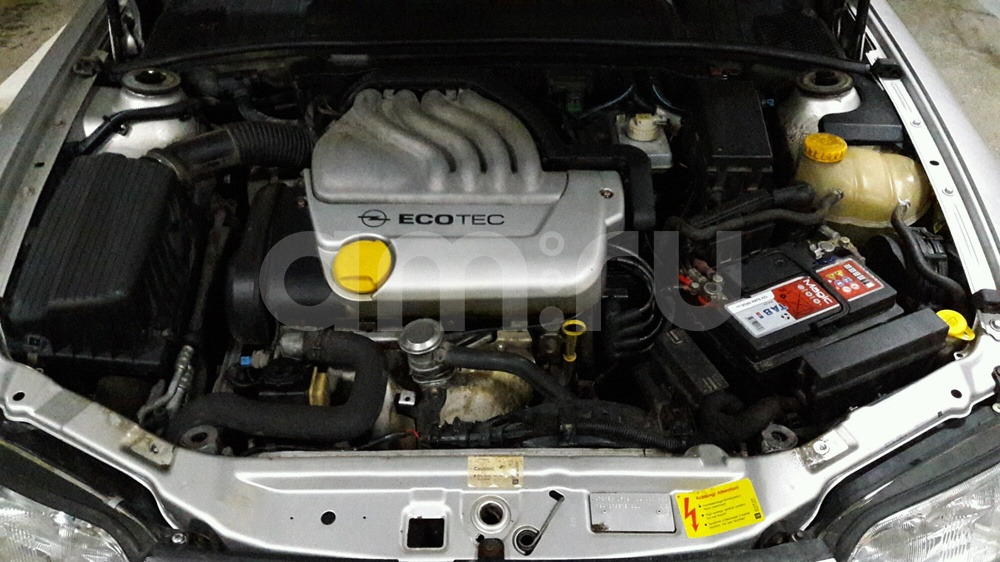 Подержанный Opel Vectra, хорошее состояние, серебряный металлик, 1998 года выпуска, цена 150 000 руб. в Ульяновской области