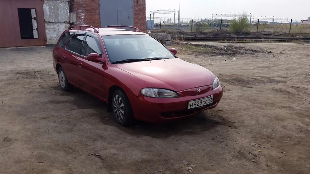 Подержанный Hyundai Avante, хорошее состояние, красный , 1996 года выпуска, цена 150 000 руб. в Омске