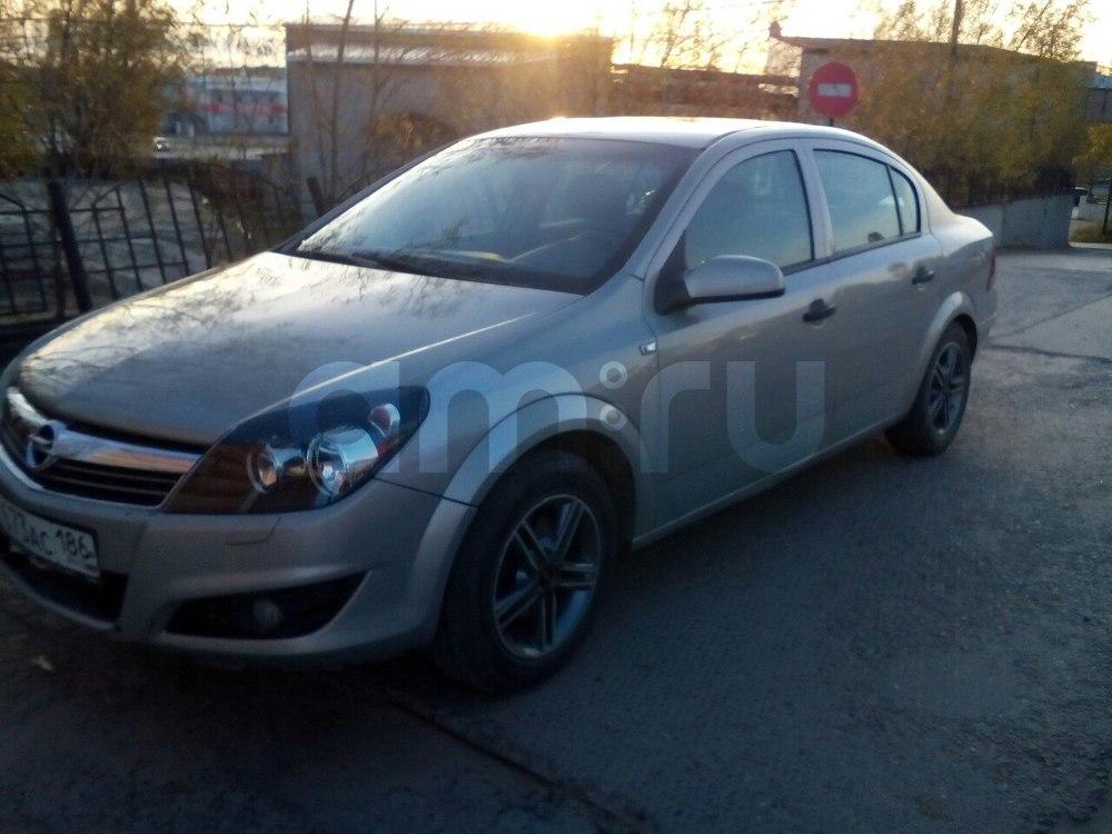 Подержанный Opel Astra, среднее состояние, серебряный металлик, 2008 года выпуска, цена 300 000 руб. в ао. Ханты-Мансийском Автономном округе - Югре