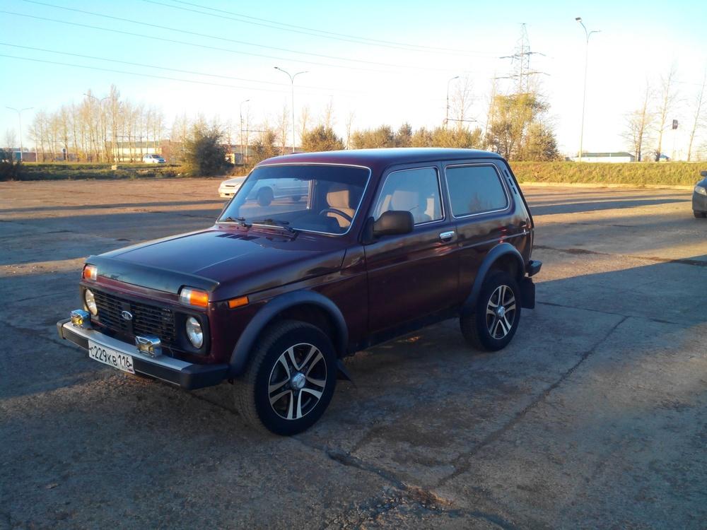 Подержанный ВАЗ (Lada) 4x4, отличное состояние, бордовый металлик, 2012 года выпуска, цена 300 000 руб. в республике Татарстане