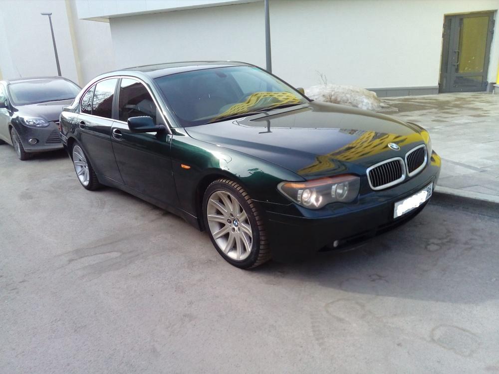 Подержанный BMW 7 серия, отличное состояние, зеленый , 2002 года выпуска, цена 400 000 руб. в Екатеринбурге