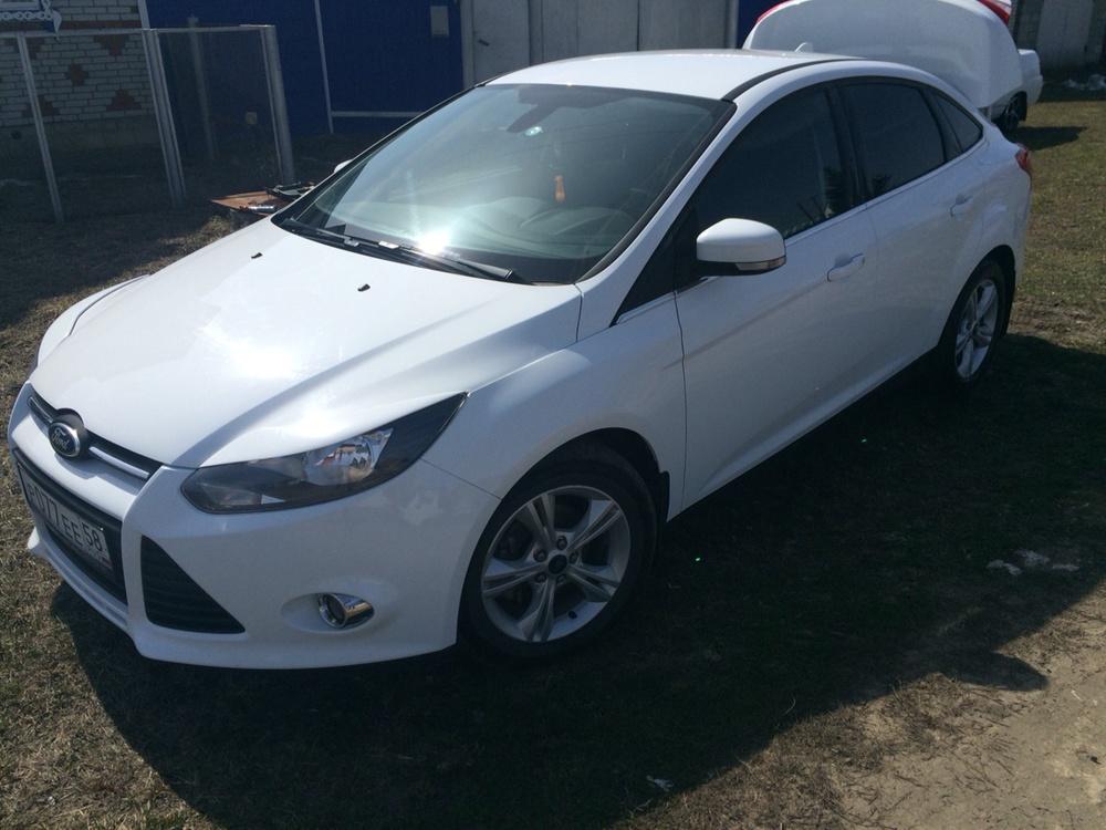 Подержанный Ford Focus, отличное состояние, белый , 2013 года выпуска, цена 650 000 руб. в Пензенской области