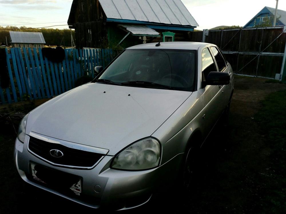 Подержанный ВАЗ (Lada) Priora, хорошее состояние, серебряный , 2012 года выпуска, цена 300 000 руб. в Челябинской области