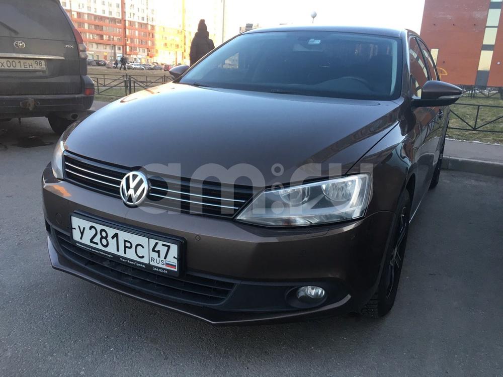 Подержанный Volkswagen Jetta, отличное состояние, коричневый , 2011 года выпуска, цена 505 000 руб. в Санкт-Петербурге