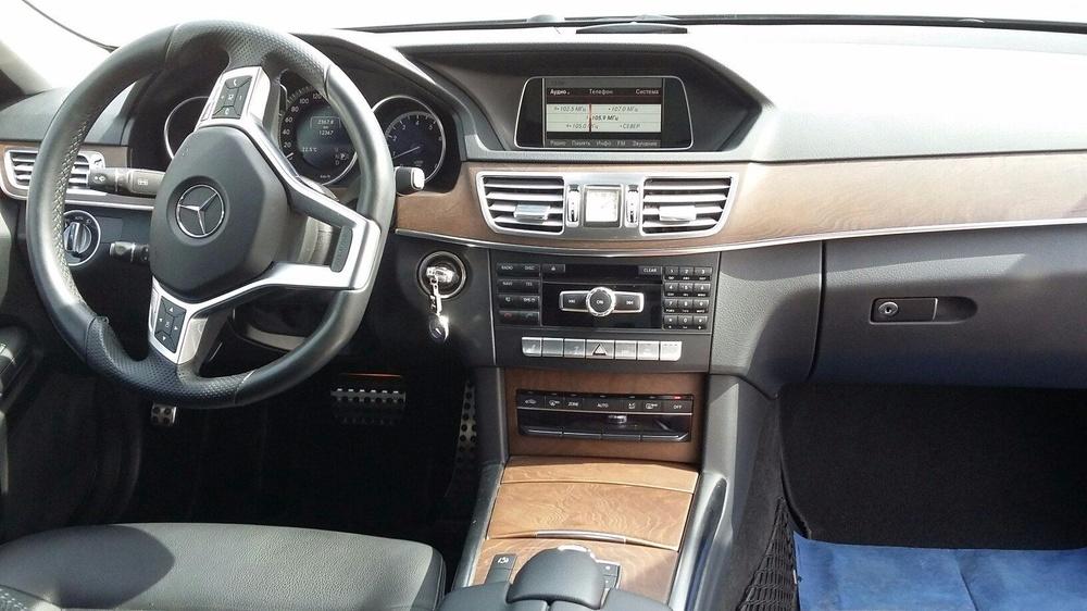Подержанный Mercedes-Benz E-Класс, отличное состояние, черный металлик, 2013 года выпуска, цена 1 750 000 руб. в ао. Ханты-Мансийском Автономном округе - Югре