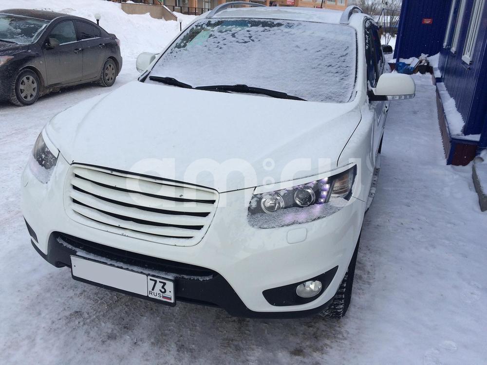 Подержанный Hyundai Santa Fe, хорошее состояние, белый , 2010 года выпуска, цена 850 000 руб. в Ульяновске
