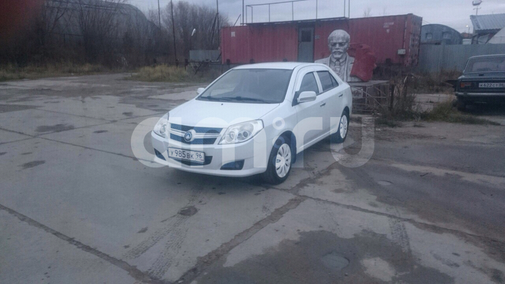 Подержанный Geely MK, хорошее состояние, белый , 2012 года выпуска, цена 240 000 руб. в ао. Ханты-Мансийском Автономном округе - Югре