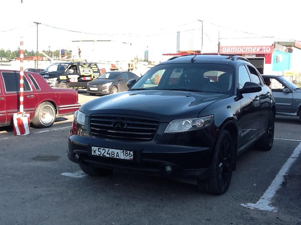 Подержанный Infiniti FX-Series, хорошее состояние, черный , 2006 года выпуска, цена 650 000 руб. в ао. Ханты-Мансийском Автономном округе - Югре