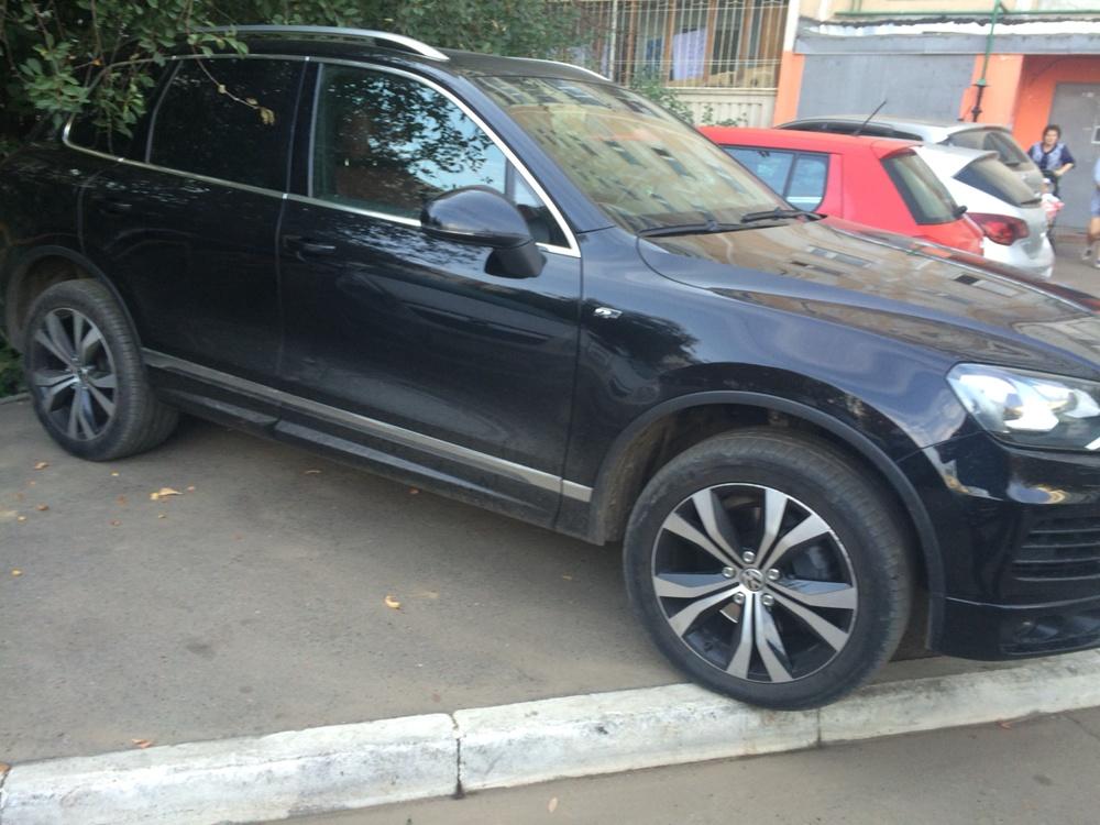 Подержанный Volkswagen Touareg, отличное состояние, черный , 2013 года выпуска, цена 2 750 000 руб. в республике Татарстане
