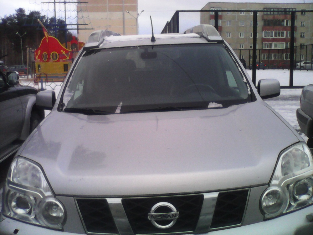 Подержанный Nissan X-Trail, хорошее состояние, серебряный , 2008 года выпуска, цена 725 000 руб. в ао. Ханты-Мансийском Автономном округе - Югре