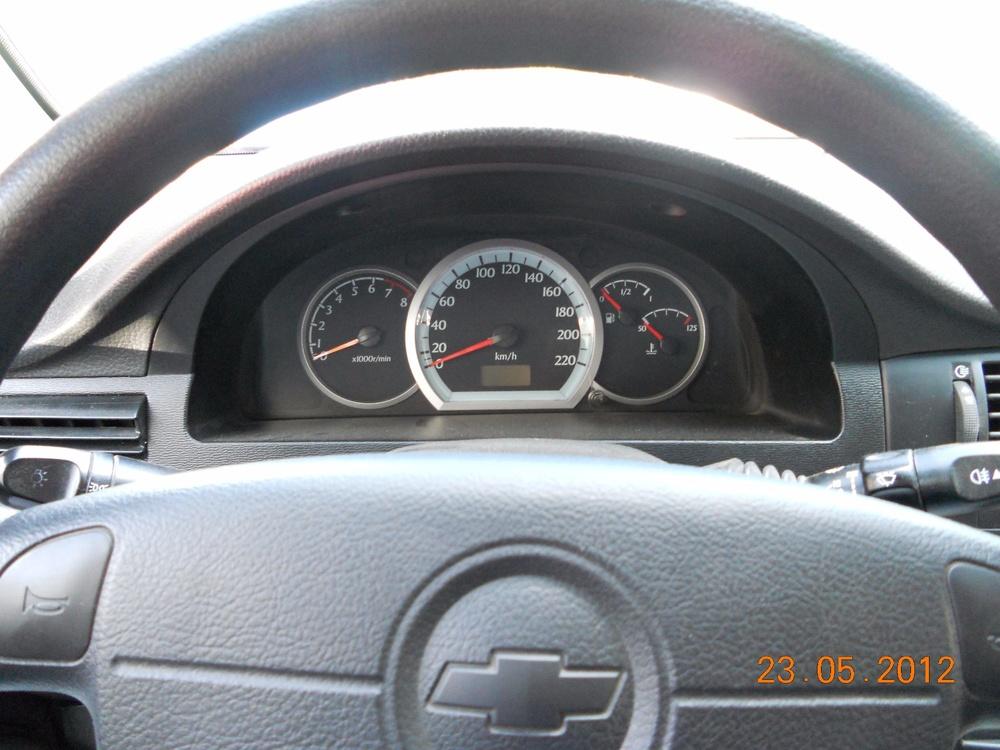Подержанный Chevrolet Lacetti, отличное состояние, серебряный , 2010 года выпуска, цена 300 000 руб. в Челябинской области